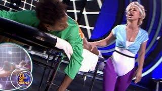 Vicky Larraz imita a Olivia Newton-John - TCMS4