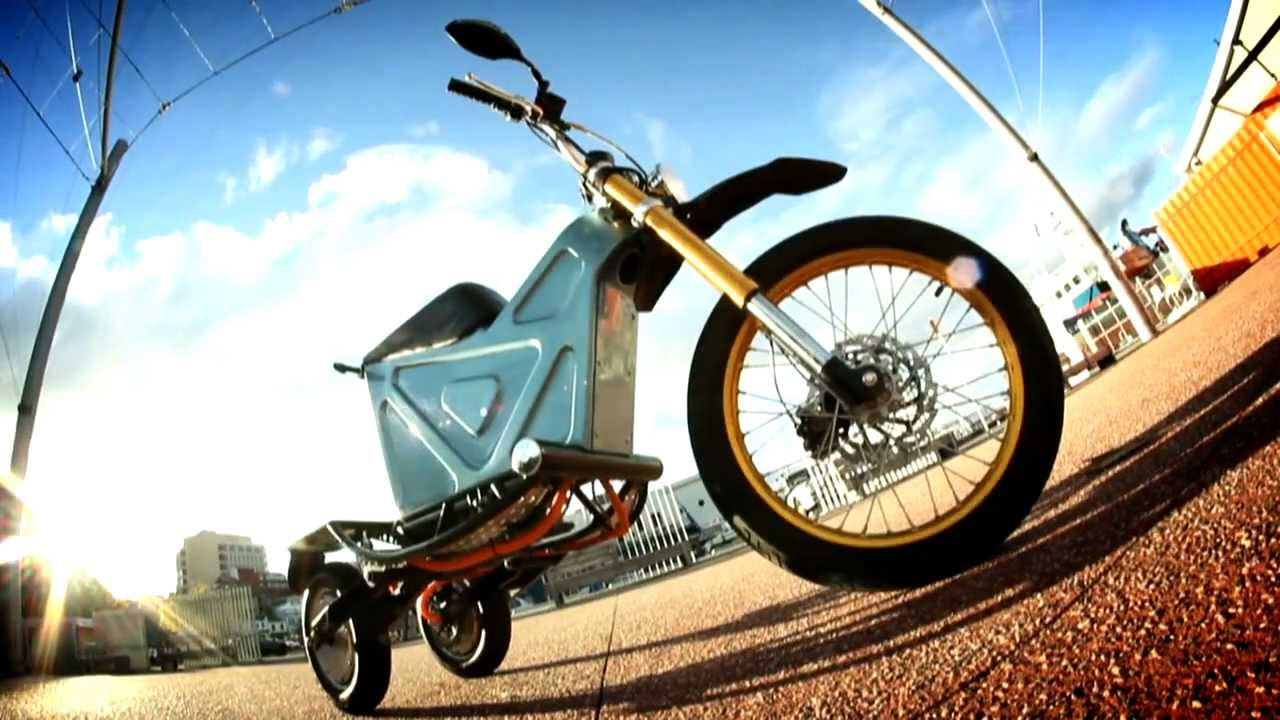 M3e Three Wheel Electric Motorcycle Delivery Tilting