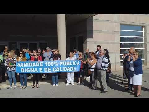 Nova concentración diante das portas do hospital de Verín