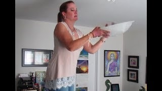 How to remove round glass cover on ceiling light with 3 clips