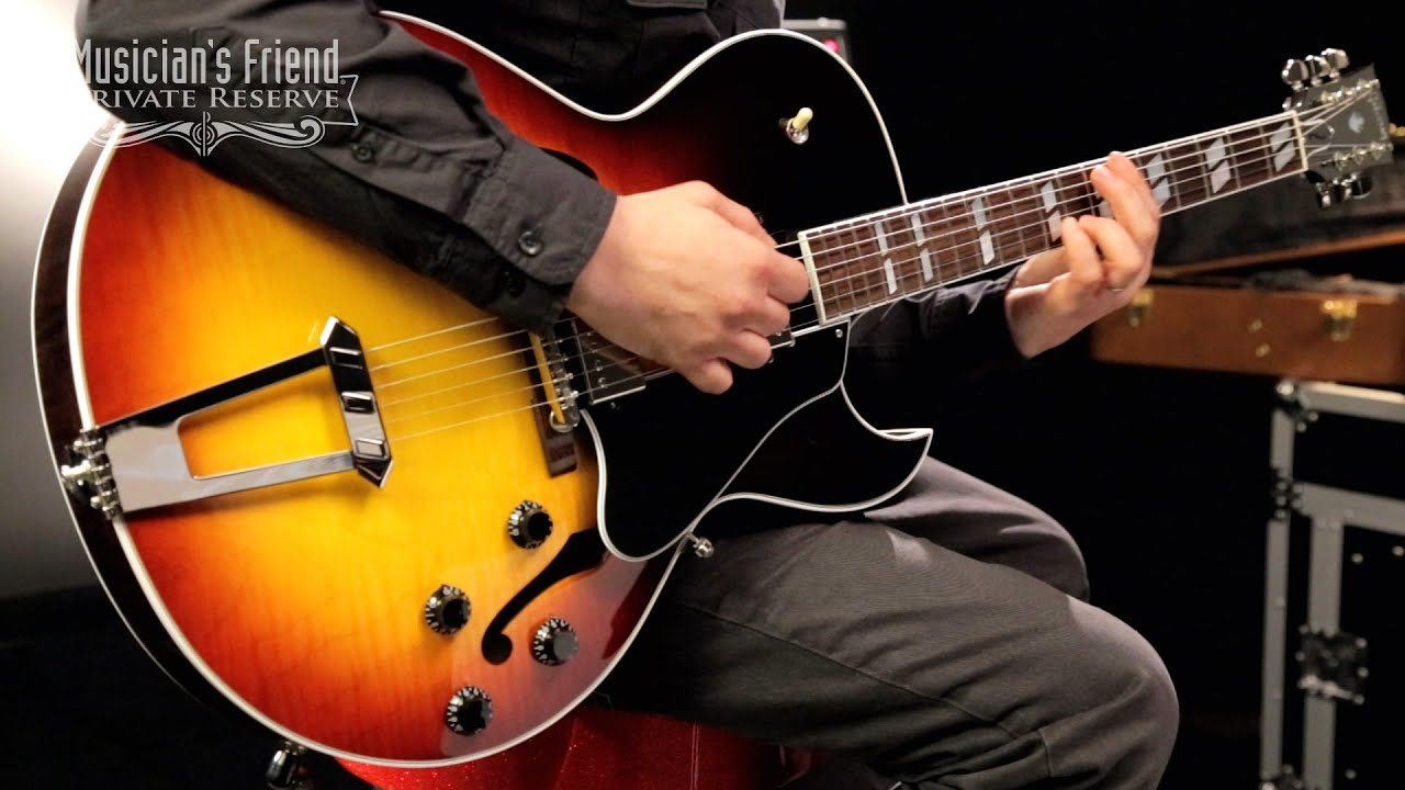 Acoustic vs Electric Guitar Difficulty, Difference, and