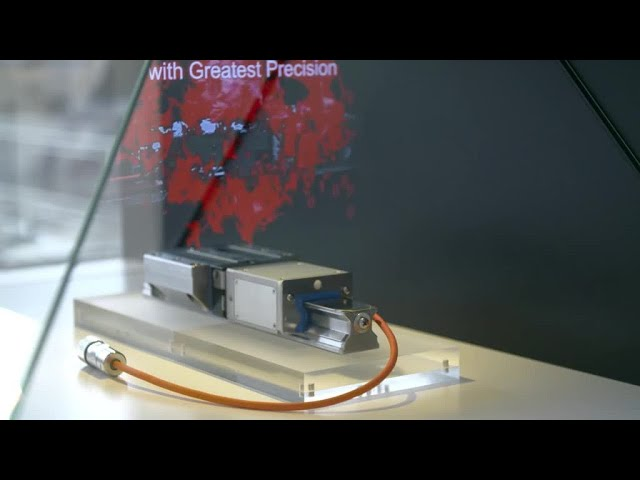 Lineartechnik Messeexponat - Hologrammtechnik - Linearführungen mit integriertem Messsystem [de]