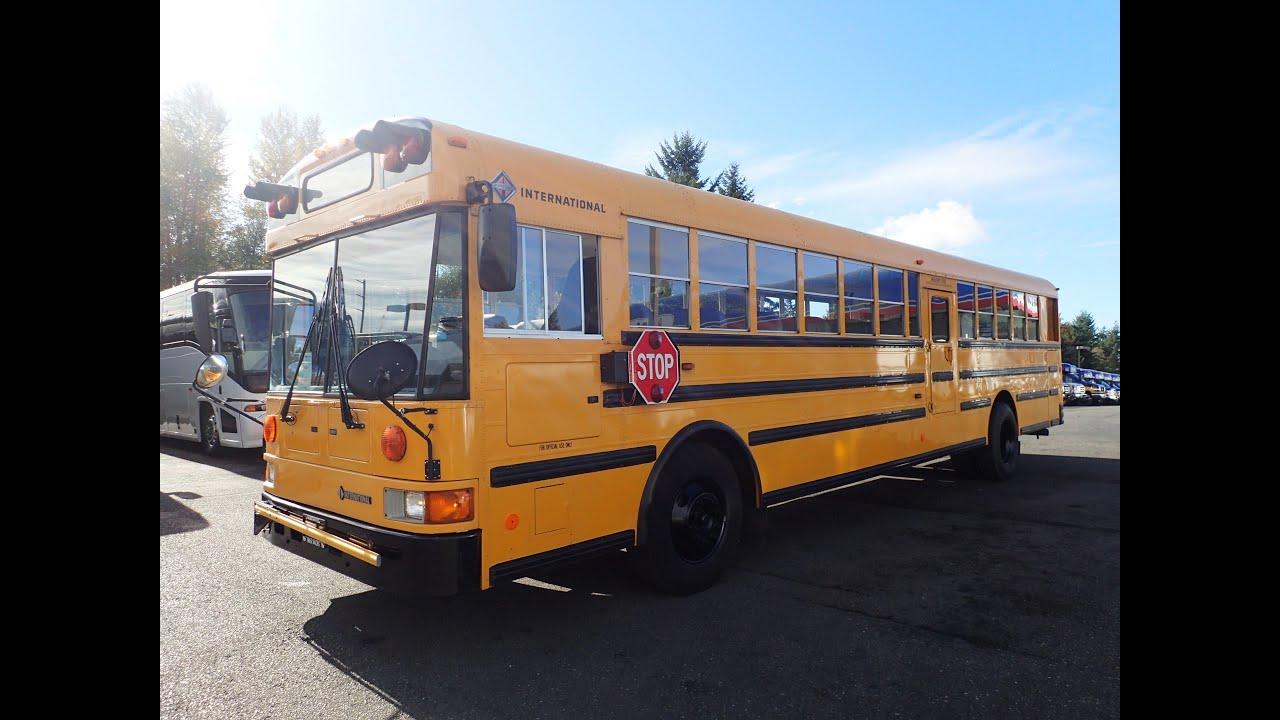 2001 international re series 48 adults or 72 kids school bus b16153