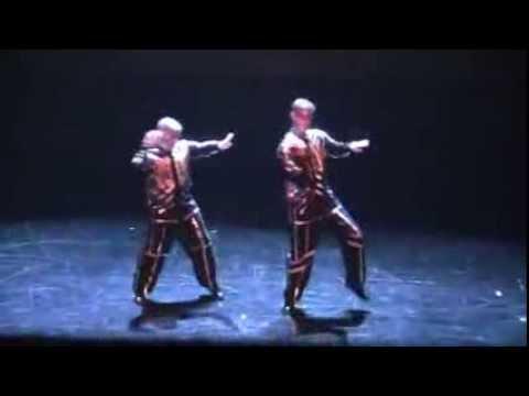 Nhảy Robot Cực Đỉnh   V A Video chất lượng HD NhacCuaTui com, w6AkUQtSIs5XW
