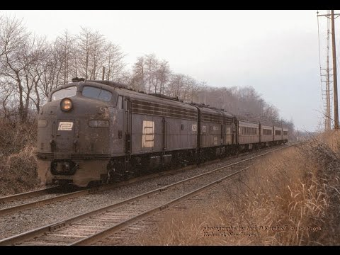 Penn Central E's and CNJ, action on the NY&LB. Passenger & freight. 1975-1976