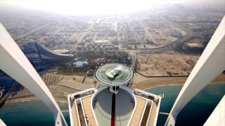 News - Red Bull Racing F1 Stunt on Burj Al Arab Helipad 2013