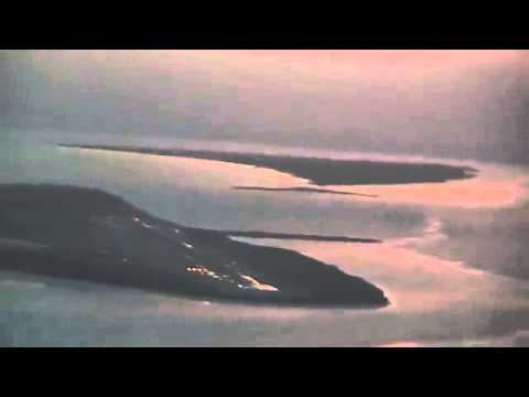 ▶ MD 80 approach to Midway Island Pacific. PMDY