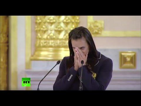 Елена Исинбаева расплакалась на встрече с Владимиром Путиным в Кремле