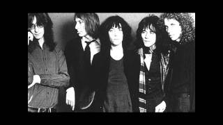 Patti Smith - Pumping (My Heart)
