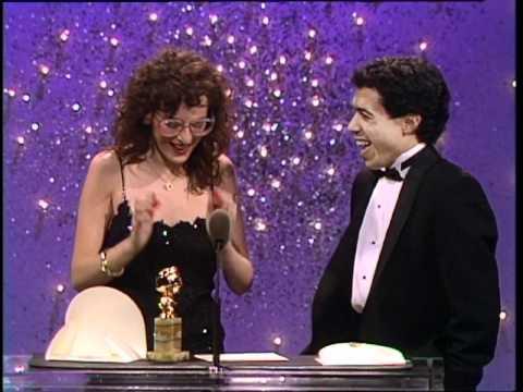 Marlee Matlin Wins Best Actress Motion Picture Drama  Golden Globes 1987