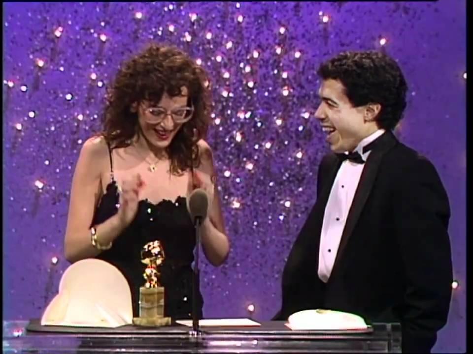 Marlee Matlin Wins Best Actress Motion Picture Drama - Golden Globes ...