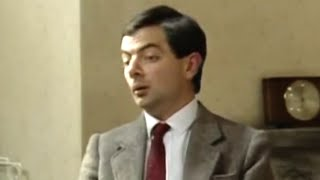 Where To Put The TV Aerial | Mr. Bean Official