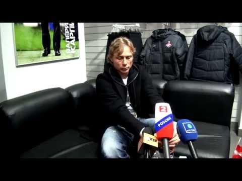 Пресс-конференция В. Карпина в магазине