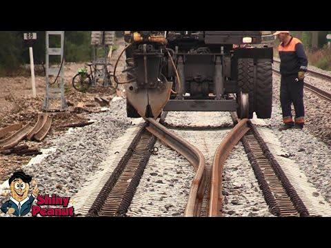 Ketika Rel Kereta Sudah Tidak Layak Pakai, Inilah yang Terjadi