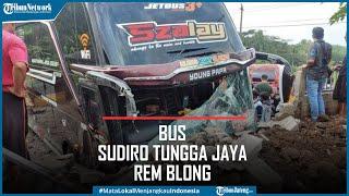 Bus Sudiro Tungga Jaya Rem Blong Tabrak 3 Motor di Susukan Semarang