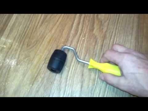 Как убрать вмятину на линолеуме от тяжелого предмета