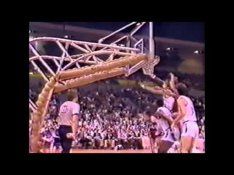 1984 : Darryl Dawkins Knocks Out Bill Walton & Bobby Jones
