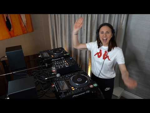 Melanie C - Radio 1 - Scott Mills Show mix - 12520