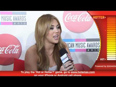 Miley cyrus 2010 Red Carpet Interview (American Music Awards)