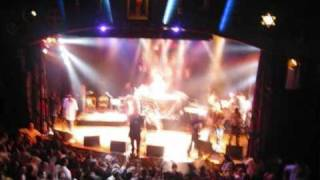 vuclip Kamelancien tape La Fouine en plein concert