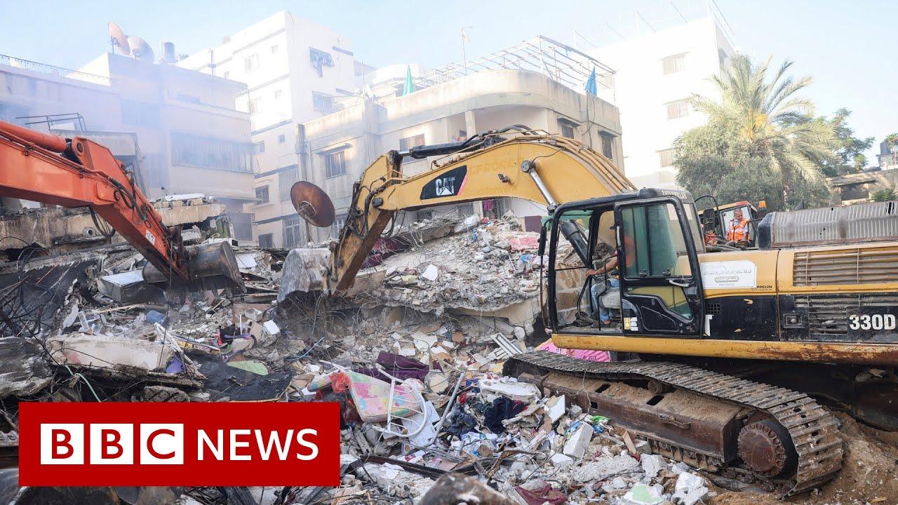 Israel air strike targets Hamas leader - BBC News