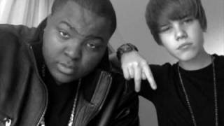 EENIE MEENIE-(FEAT-SEAN KINGSTON) - Justin Bieber