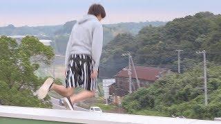 学校の屋上から飛び降りるのも大変なんやぞ