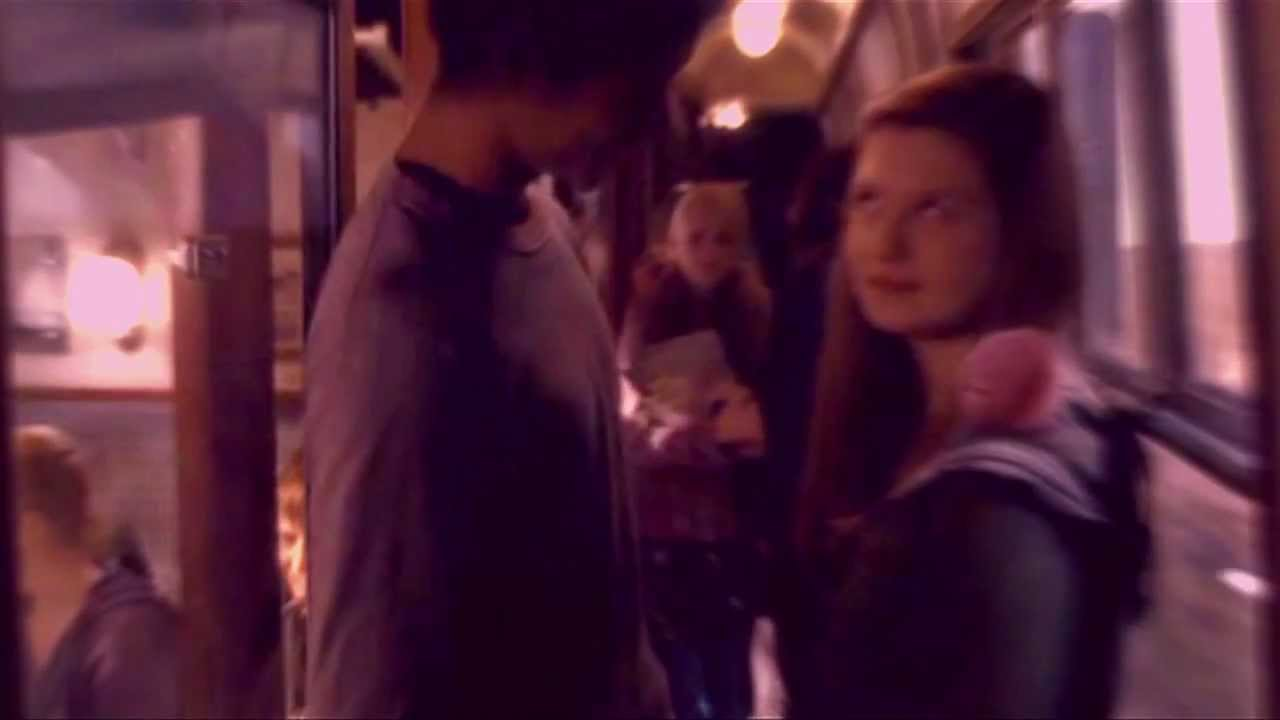 Harry/Ginny Ron/Hermione -- First Kiss