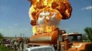 Nasty Big Oil Tank Explosion