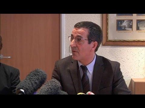 Nourrissons d c d s chamb ry l 39 h pital porte plainte contre x 04 01 youtube - Porter plainte contre hopital ...