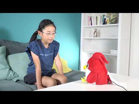 日本人に合わせた英会話ロボット「Charpy(チャーピー)」