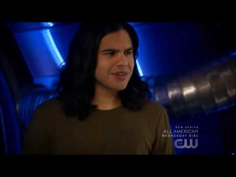 The Flash 5x03 Funny Moments - Cisco and Harrison Wells