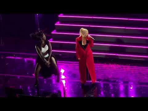 Christina Aguilera - Ain't No Other Man (Live in Boston)