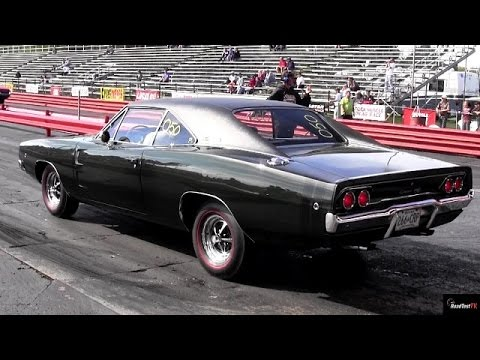 1968 Dodge Charger R/T vs 1965 GTO Tri-Power 1/4 mile Drag Race - Road Test TV ®