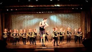 Солнечные Зайчики. Педагог Калинина Радмила All Stars Dance Centre 2016(Kids Show by Радмила Калинина All Stars Dance Centre www.allstars-dance.com fb: http://facebook.com/AllStarsDC/ insta: http://instagram.com/allstarsdc ..., 2016-04-26T13:23:30.000Z)
