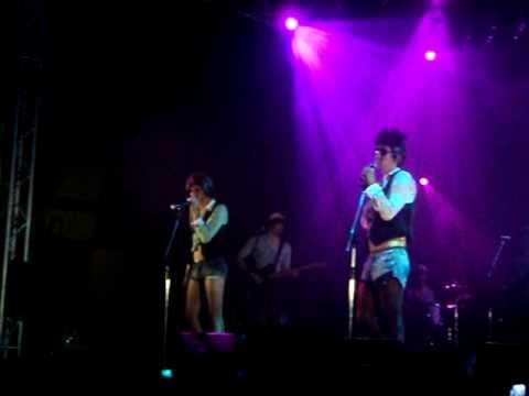 I soliti idioti - Omosessuali - Live in Bologna