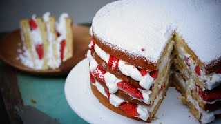 Gâteau au yaourt facile façon Layer Cake aux fraises