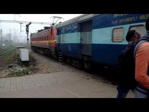 12369 Kumbha Express Skipping Danapur in Broad Daylight..