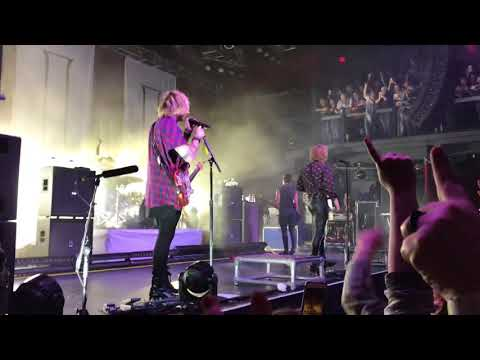 5 SECONDS OF SUMMER // TALK FAST (LIVE @ THE FILLMORE 4/10/18)