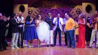 بالفيديو| محمد رمضان يحتفل بعيد ميلاد المخرج خالد جلال مع أبطال