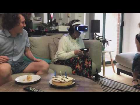 Nan plays VR for the first time on her 80th birthday! (super cute vid)