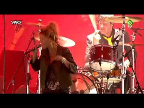 Triggerfinger ft. Selah Sue - Mercy (Live op Lowlands 2010)