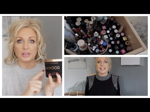 I Am Drowning in Lipsticks, Giveaway *Monday Chat*