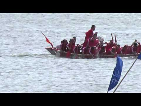 Lễ hội bơi thuyền truyền thống làng biển Cảnh Dương 23.8.2013 ( 17-7-2013 ÂL)