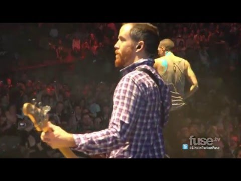 Linkin Park - Crawling (Madison Square Garden 2011) HD