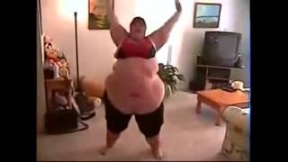 СМЕШНЫЕ ВИДЕО   Взвешенные и счастливые!!!Танцы толстяков Не все так смогут!!!