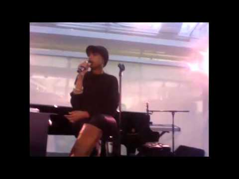 Jennifer Hudson : Ustream 11/15/11