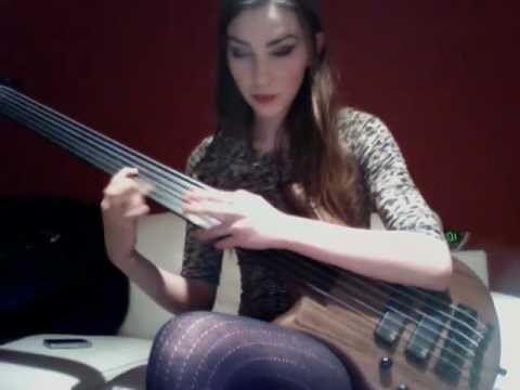 6 String Fretless Bass Tapping Riff