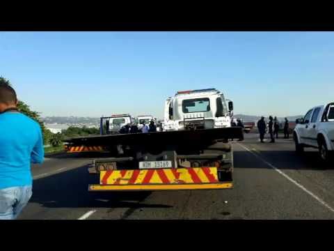 UPDATE: POP, Metro Police in stand-off with taxi blockade protestors