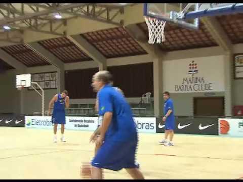 Pivô Cristiano Felício vai substituir Anderson Varejão na seleção brasileira de basquete